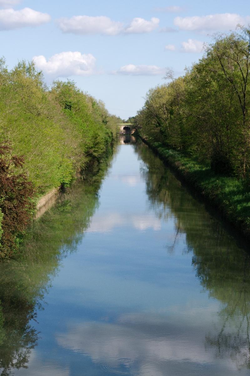 Le canal Garonne juste après Agen