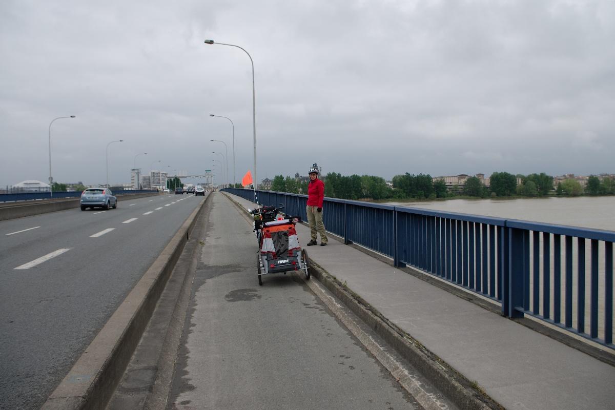 Sur le pont Saint-Jean à Bordeaux