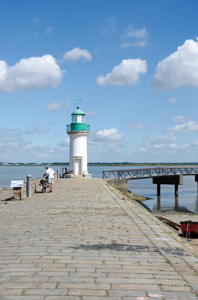 Un phare en bord de l'estuaire de la Loire