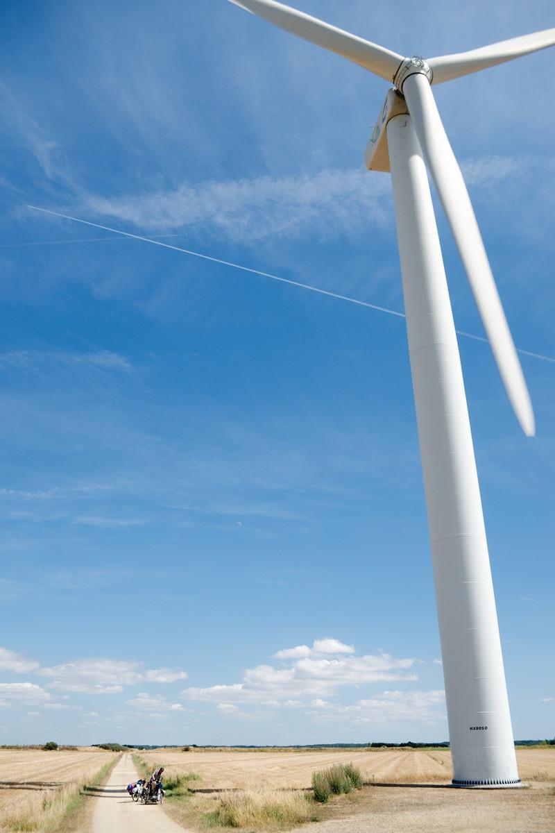 Au pied des éoliennes