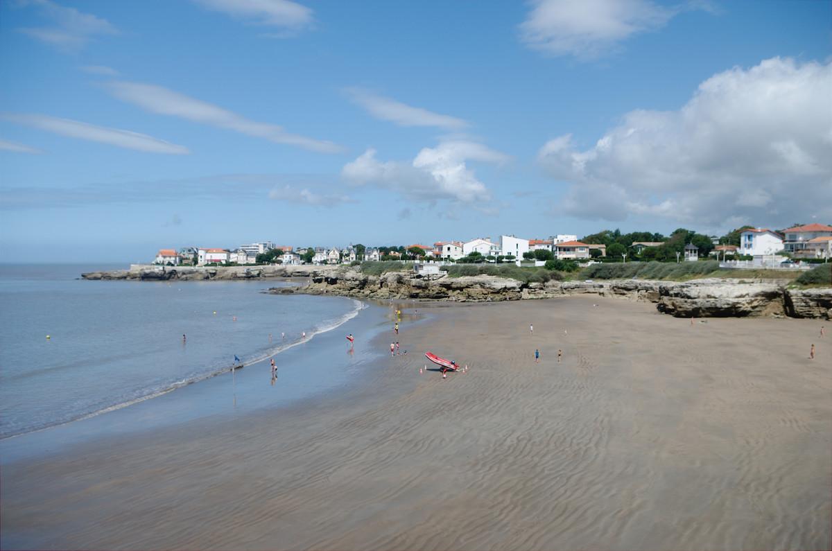 Des plages dans des criques plein la côte du côté de Saint-Palais