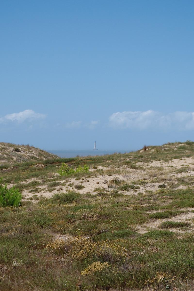 Le phare de Cordouan, vu depuis la pointe du Médoc
