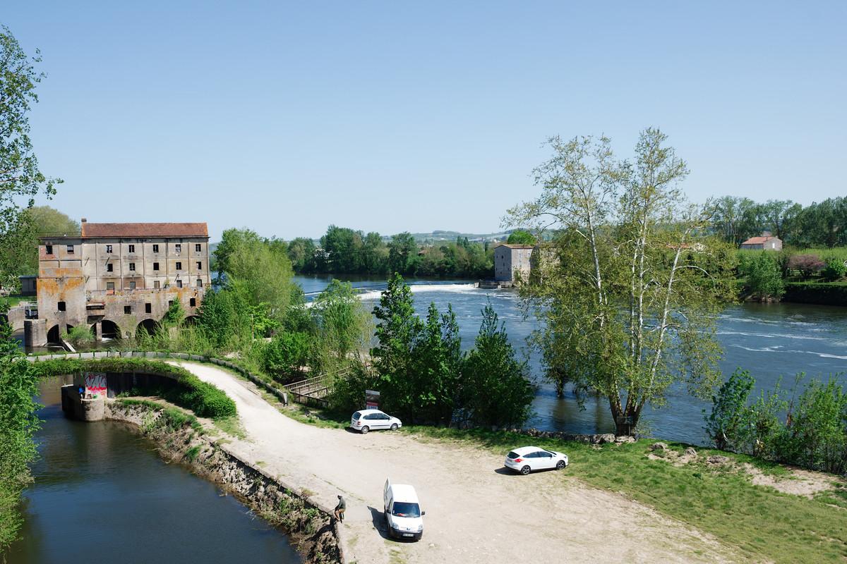 À côté de la confluence Lot-Garonne